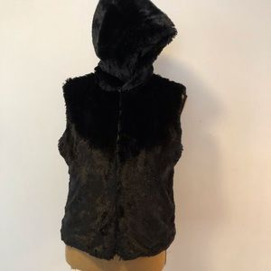 Cejon accessories  faux fur vest